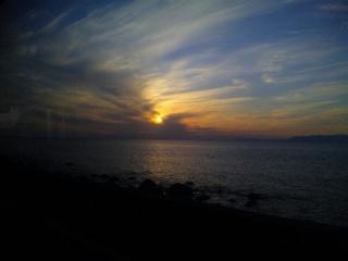 橘湾に日が沈む