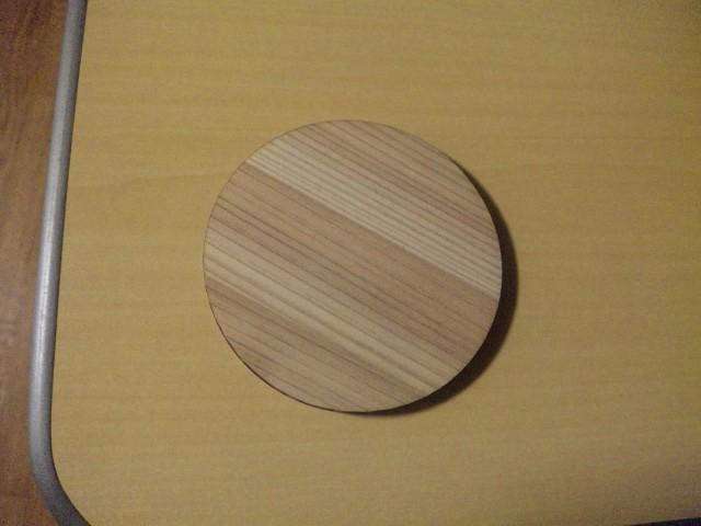 地元産木材を使った土産物ですが、何か?